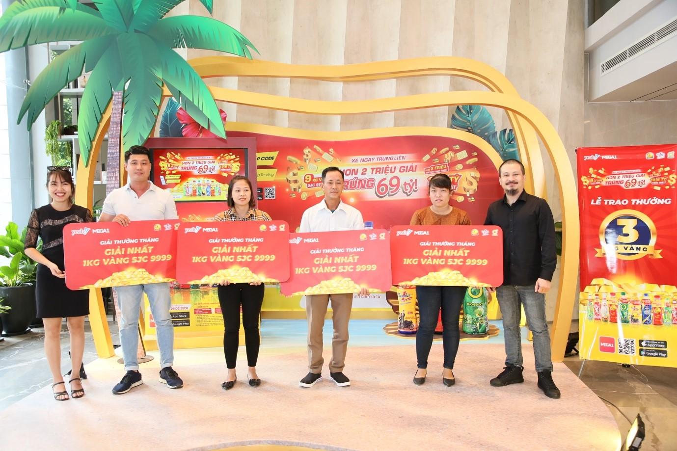 3 kg vàng SJC 999.9 tháng 7 chính thức đến tay các khách hàng may mắn
