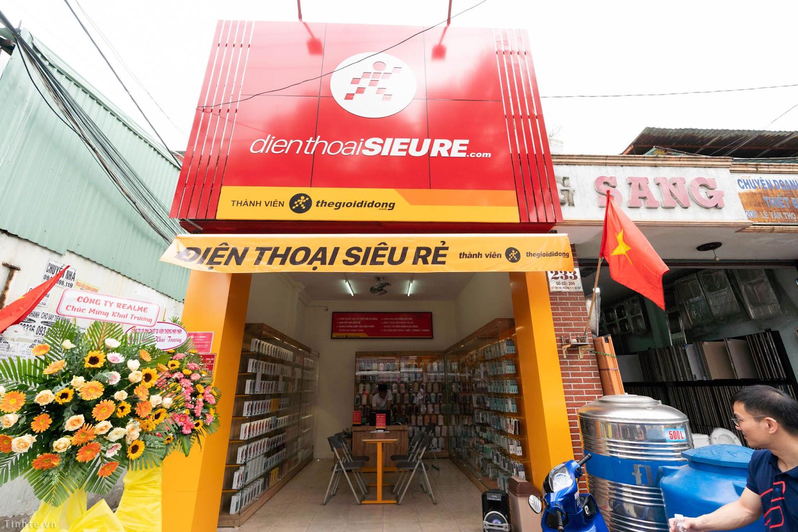 Được lòng khách hàng nhờ bán hàng chính hãng giá rẻ, Điện Thoại Siêu Rẻ sắp mở thêm 15 cửa hàng